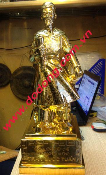 Tượng Trần Quốc Tuấn mạ vàng – quà tặng sếp0