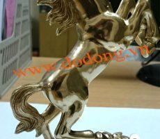 Ngựa phong thủy đúc đồng cao 20cm – ngựa đồng