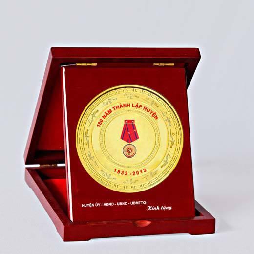 Qùa tặng kỷ niệm năm thành lập,quà tặng đại hội các cấp