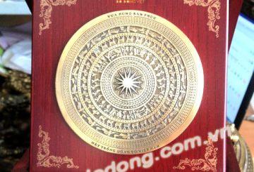 Nghệ thuật chọn quà lưu niệm đối tác tại việt nam – dodongquatang.vn
