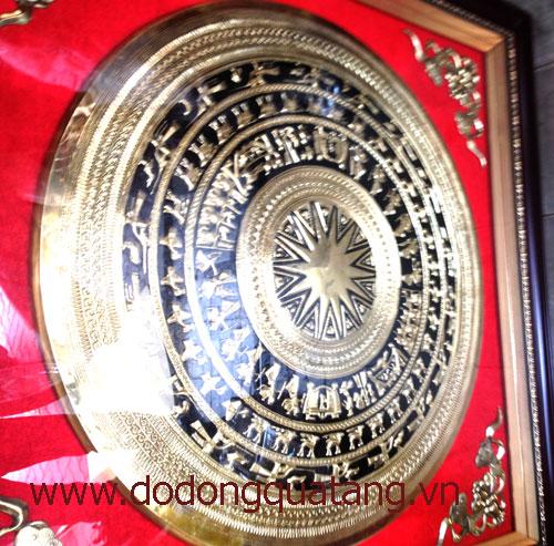 Quà tặng tranh mặt trống đồng 80cm khung 115cm – đồ đồng