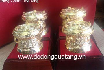 Mua quà lưu niệm gì của Việt nam cho khách nước ngoài