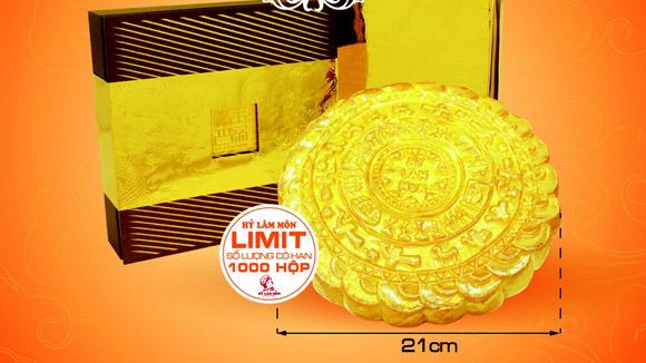 Bánh trung thu hình trống đồng mạ vàng