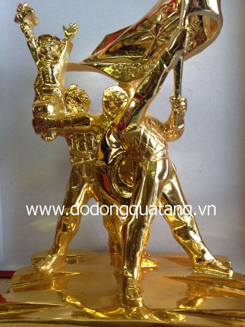 Nhận đúc tượng đài bằng đồng thu nhỏ,mạ vàng 24k cao cấp