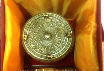Cung cấp quà tặng trống 10cm cho hội nghị tại Sài gòn