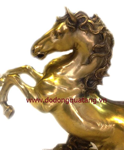 Mã đáo thành công bằng đồng vàng đúc nguyên khối - quà tặng phong thủy