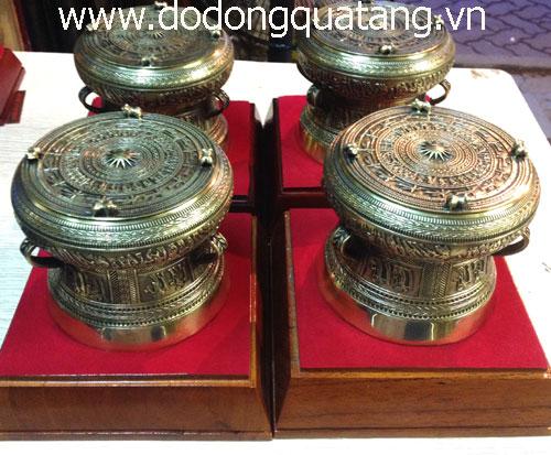 Sản phẩm lưu niệm trống đồng tặng khách nước ngoài dk 13cm