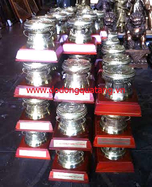 Trống đồng là một trong những vật phẩm được ưa thích cho các cuộc hội thảo khách hàng