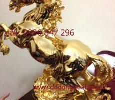 Qùa tặng biếu ngựa đồng mạ vàng 50 – đồ quà tặng