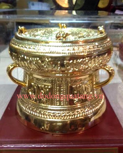 Bộ sản phẩm trống đồng đúc tinh xảo, họa tiết sắc nét mạ vàng cao cấp dk 10cm,tang trong 9cm