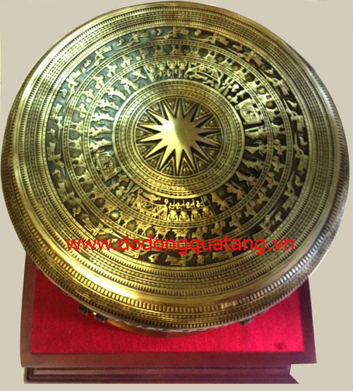 Mặt trống đồng khắc hoa văn sắc nét,họa tiết nổi the phiên bản trống đông sơn cổ