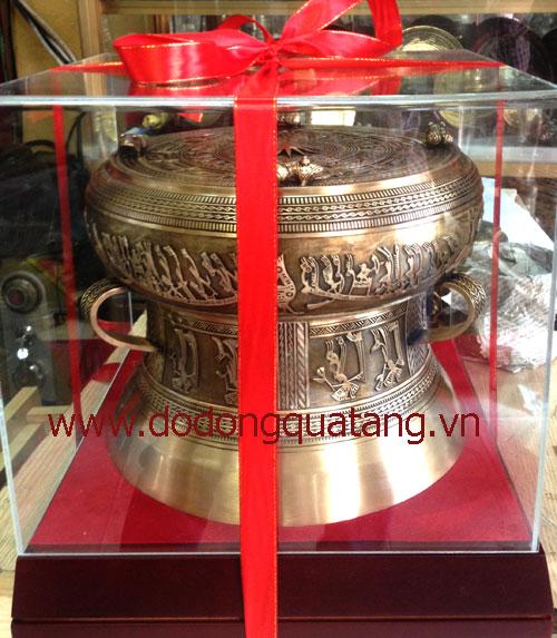 Trống đồng là món quà đối ngoại ý nghĩa của các Tập đoàn,doanh nghiệp Việt nam mang đi tặng đối tác