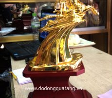 Tượng vàng gióng mạ vàng 20cm mẫu chuẩn – đồ đồng