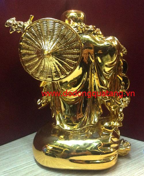 Mặt sau tượng di lặc gánh vàng 24k cao cấp tại đồ đồng việt