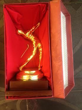 Bộ quà tặng cúp golf mạ vàng sang trọng cao 30cm