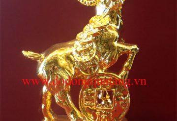 Cách đặt tượng dê vàng phong thủy trong gia đình – Đồ đồng quà tặng