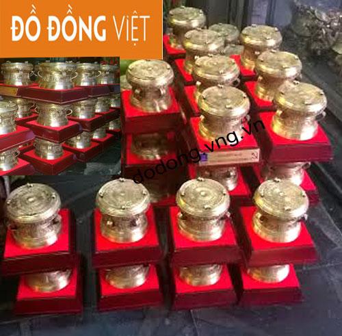 Đến với Việt Nam du khách nước ngoài sẽ mua gì làm quà lưu niệm
