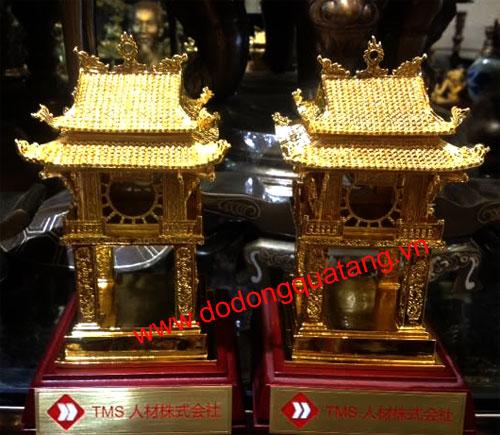 Tượng chân dung bằng đồng mạ vàng 24k – dodongquatang.vn