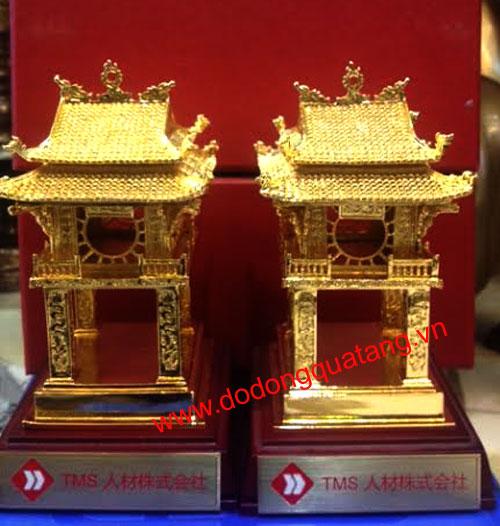 Mô hình cổng văn miếu mạ vàng