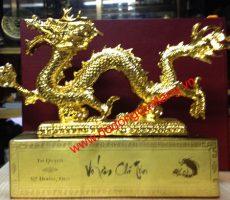 Linh vật rồng phong thủy mạ vàng,tượng rồng để bàn