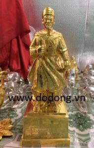 Đức Trần hưng đạo bằng đồng mạ vàng 50cm