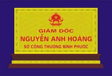Các mẫu biển chức danh bằng đồng khắc 2 mặt đẹp – dodongquatang.vn