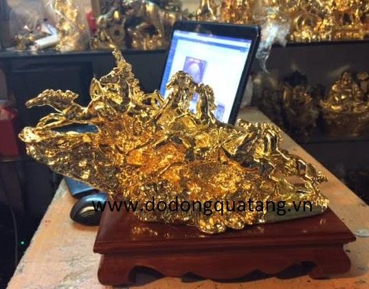 Tượng đồng bát mã mạ vàng 33cm làm quà để bàn0