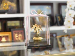 Quà vàng cao cấp để bàn làm việc sang trọng, quà vàng tặng sếp