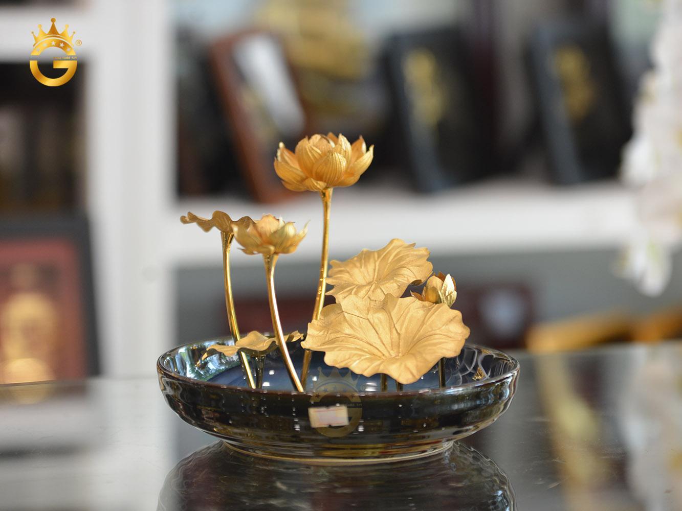 Chậu hoa sen mạ vàng 24k- biểu tượng quốc hoa Việt Nam0