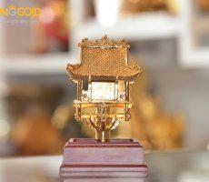 Chùa Một Cột mạ vàng đẹp tinh xảo làm quà tặng đối ngoại