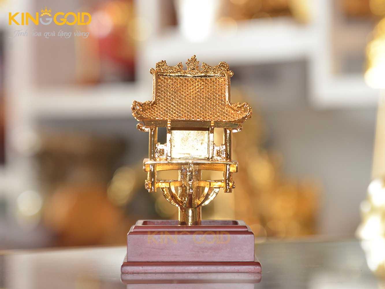 Chùa Một Cột mạ vàng đẹp tinh xảo làm quà tặng đối ngoại0