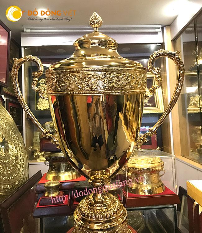 Cúp bóng đá lưu niệm,cúp doanh nhân,cúp thể thao chế tác từ đồng mạ vàng sang trọng