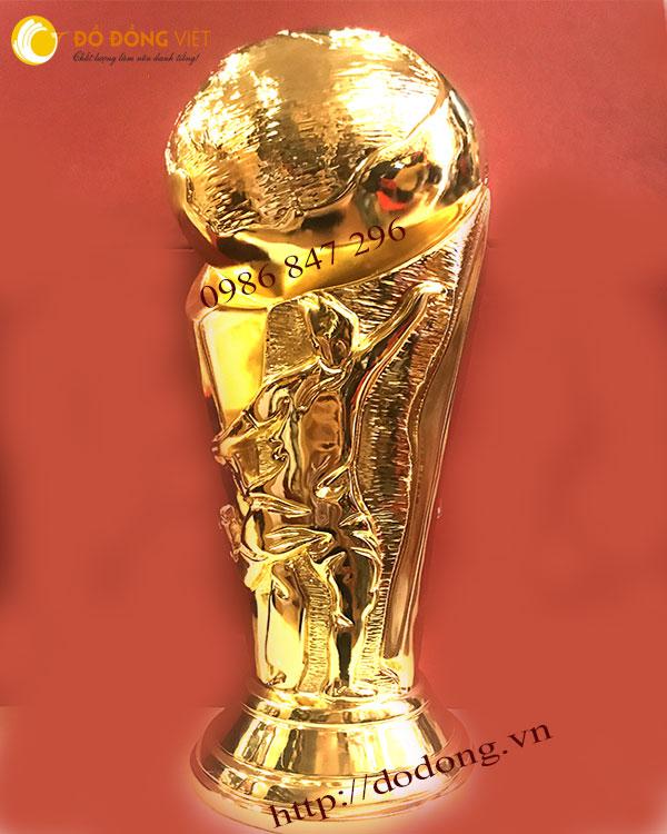 Mẫu cúp bóng đá thế giơi 2018 đẹp nhất tại Đồ đồng việt