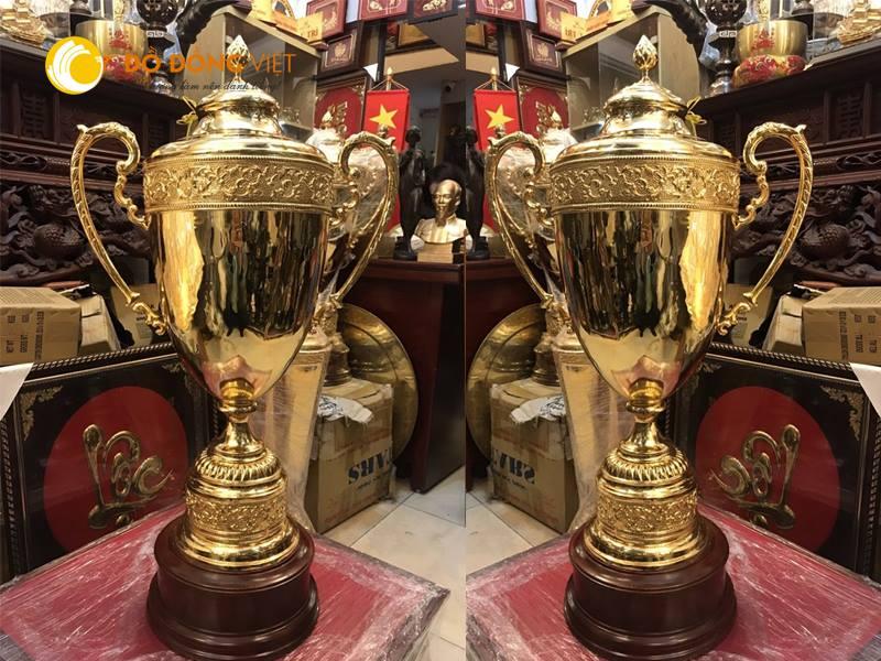 Đồ đồng Việt-địa chỉ đúc cúp bằng đồng chất lượng cao0