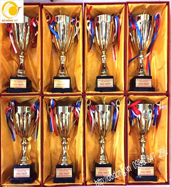 Cúp lưu niệm quà tặng độc đáo cho các môn thể thao