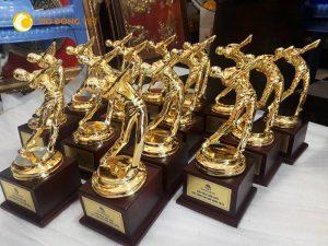 Sản xuất cúp vinh danh, cúp vàng lưu niệm tại Hà nội
