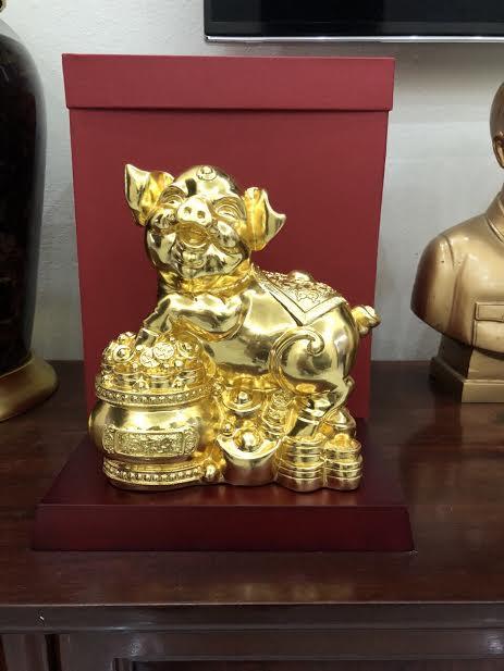 Tượng heo tài lộc bằng đồng dát vàng 20 cm0