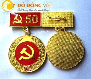 Kỷ niệm chương,huy hiệu 30,40,50,60,70 năm tuổi đảng