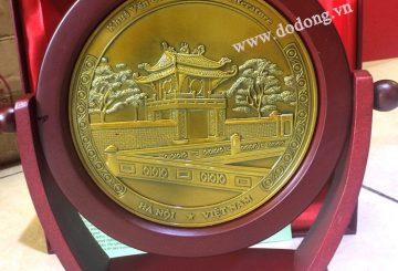 Qua luu niem bang dong ý nghĩa cho đối tác bằng đồng
