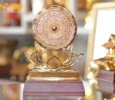 Mặt trống đồng đế hoa sen mạ vàng 24k cao cấp làm quà tặng khách nước ngoài