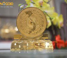 Quà tặng mặt trống đồng mạ vàng- quà tặng đối tác nước ngoài
