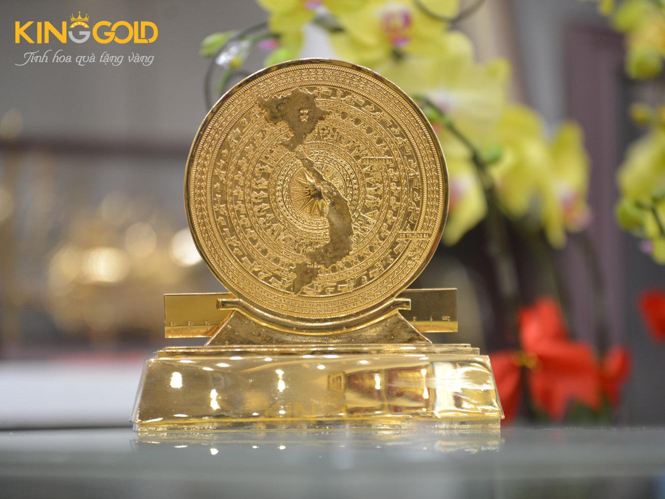 Quà tặng mặt trống đồng mạ vàng- quà tặng đối tác nước ngoài0