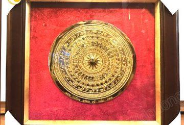 Biểu trưng đồng gỗ ăn mòn đúc đồng – quà tặng khách hàng