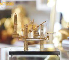 Quà tặng ngành dầu khí- mô hình giàn khoan dầu mạ vàng 24k