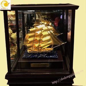 Mô hình thuận buồm xuôi gio dát vàng 3d