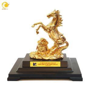 Tượng ngựa để bàn làm việc dát vàng 999,9