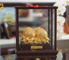 Biểu trưng quả đào phong thủy mạ vàng 24k- quà mừng thọ ý nghĩa