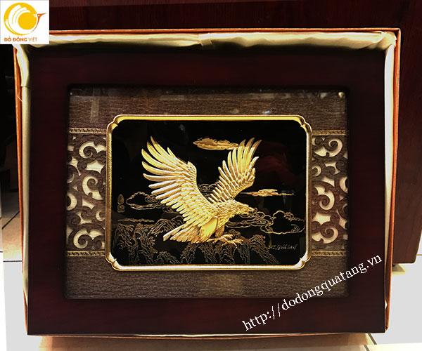 tranh phong thủy đại bàng tung cánh 3d vàng lá