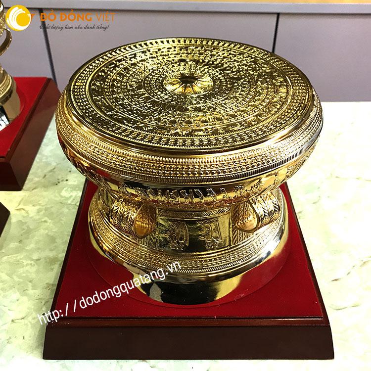Bộ trống đồng dk 20cm mạ vàng không cóc theo bản trống đông sơn làm quà đối ngoại đặc biệt