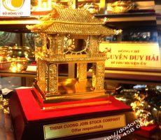 Hà nội, quà tặng văn hóa du lịch – khuê văn các mạ vàng – Đồ đồng mạ vàng